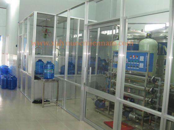 Dây chuyền sản xuất nước uống đóng bình